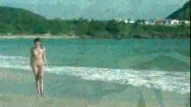 ホ女の子ストリップassholesに日焼けストッキングとガータ 女の子 av 動画