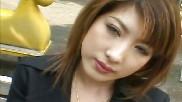 毛深いマルコボルトは熊の穴を槌で打つ前に逮捕 女の子 の ため の セックス 動画